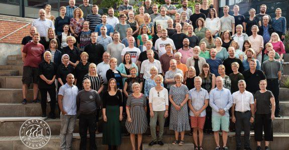 Fællesbillede af personale på Aabenraa statsskole
